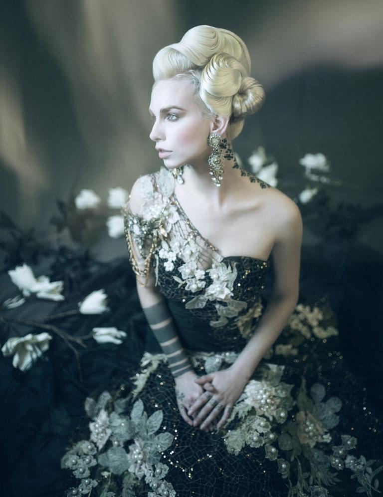 Photographer: William Setiawan Designer: Miss Pearl Couture Hair: Yeliz Kaya Makeup: Dainora Dulcyte Model: Cecina Menno Niehof