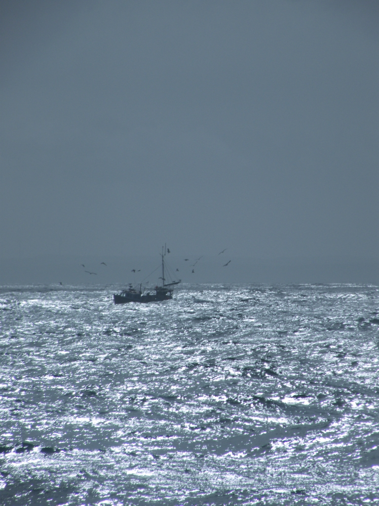 fishing_boat_off_st_michaesls_mount